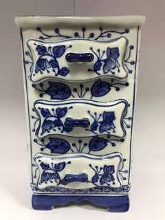 3 Tiers Drawer Porcelain Display Figurine