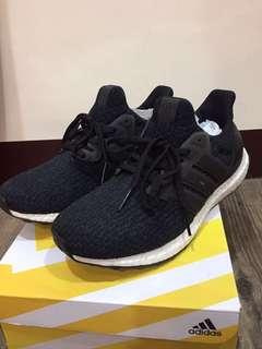 Adidas Ultra boots 3.0 黑色 極新 us 8.5