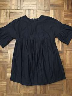 COS NAVY PLEATED TOP