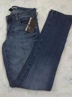 AUTHENTIC DKNY SKINNY JEANS