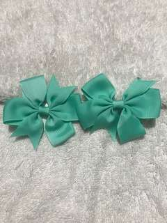 1 pair oof bow Clip