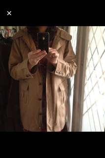 🚚 日本買回風衣式外套,M~L。口袋多又大方便。內層背心可拆。很新