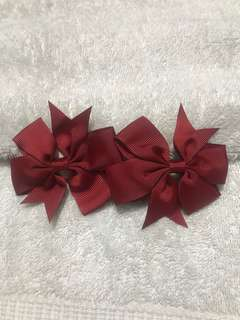 1 pair of bow clip