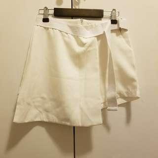 白色短裙褲 size S