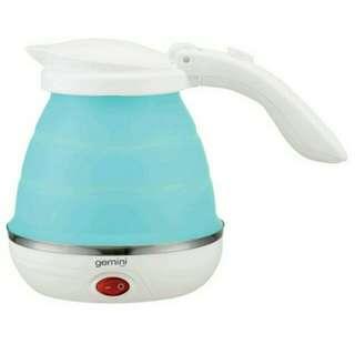 (全新) Gemini雙電壓可摺疊電熱水壺 (粉藍)