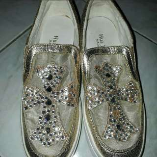 Beads shoes