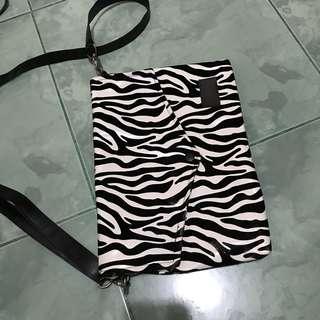 Zebra Slingbag