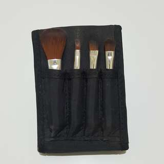 Mini brush set the bodyshop