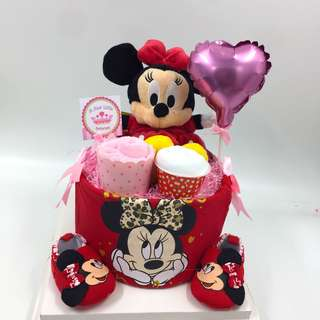 Minnie Mouse Baby Diapers Cake