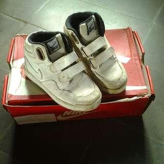 Sepatu nike anak bukan ori