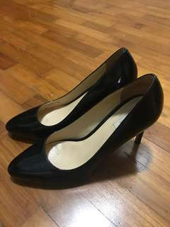 Cole Hann patent black heels / pumps
