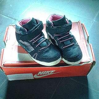 Sepatu AIRWALK original beli di payless