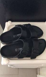 Birkenstock 黑色拖鞋涼鞋