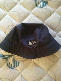 Le coq bucket hat