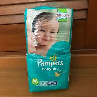 Pampers Baby Dry Tape Diapers (52 Pack)