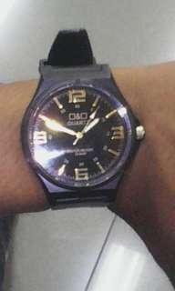 Jam tangan second