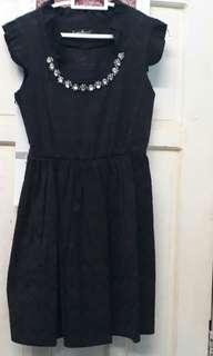 Preloved Caroline Kosasih mini dress hitam