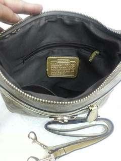 Coach ( sling bag) replica