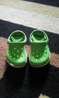 Crocs green