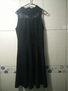 🚚 超美超仙女神款蕾絲花邊微露胸露肩露背削肩合身連身洋裝小禮服