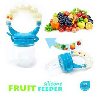 Fruit Feeder with Rattle - BLUE