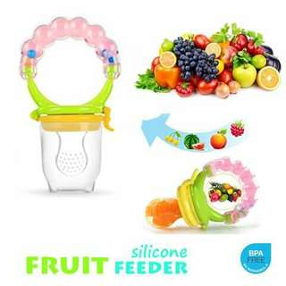 Fruit Feeder with Rattle - GREEN