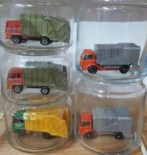 Matchbox Refuse trucks ( 5 pcs )