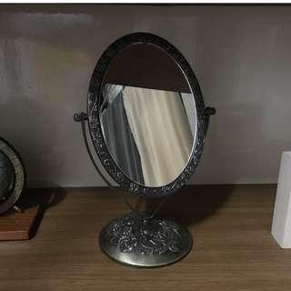 歐風玫瑰化妝鏡--銅製/暗金色