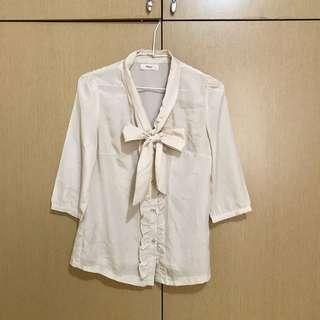 🚚 米色蝴蝶結🎀襯衫
