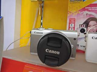 Camera canon mirroless EOSM100 kredit bunga 0 %