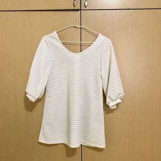 🚚 白色微長版寬鬆上衣