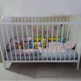 Ikea baby cot only (matress full kekabu add on rm130)