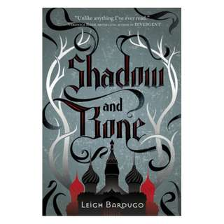 Shadow and Bone (The Grishaverse #1) - Leigh Bardugo