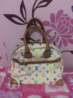 Lv authentic w/ code w/flaws
