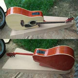 Gitar akustik elektrik jumbo gading