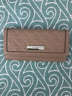 nine west long wallet