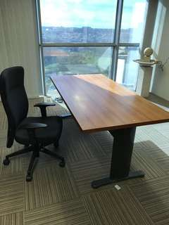 Office director table n chair