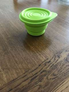 Baby' foldable training/snacks bowl with lid