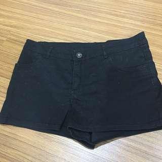 Celana pendek jeans hitam