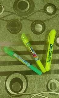 Dry or gel highlighter