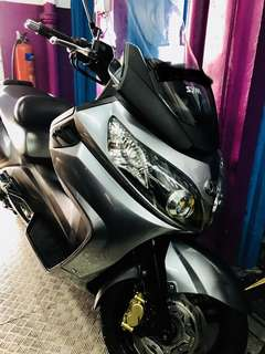 SYM MAXSYM 400 ( 1 st owner great condition )