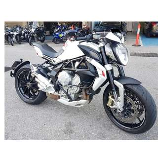 16 MV Agusta Brutale 800 Dragster (Aug 2016) Owner consignment