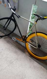 Selling kolussi fixed gear honsun stem and kenda tyr or trading for mountain bikes