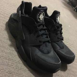 Nike Huaraches Triple Black