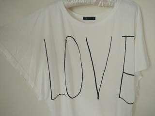 英文字LOVE寬袖上衣罩衫 #一百元好物