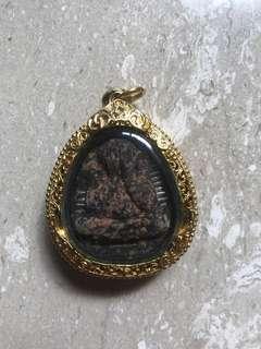 Phra pidta(Gold gilt casing)