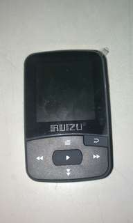 RUIZU - MP3/MP4 with Radio FM.