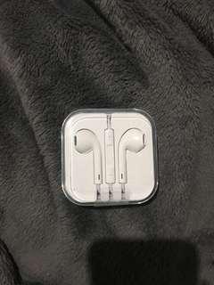 Genuine Apple EarPods White with Headphone Jack