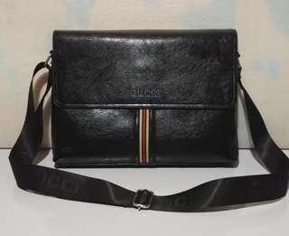 Gucci Sling Messenger Bag