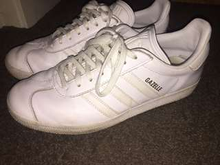 Unisex Adidas White Gazelle shoes Size UK6